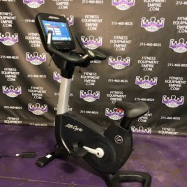 Life Fitness Discover Platinum Club Series Upright Bikes w/SE3 HD Console